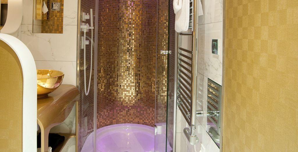 Detalle del baño de la habitación inspirada en la Soberbia