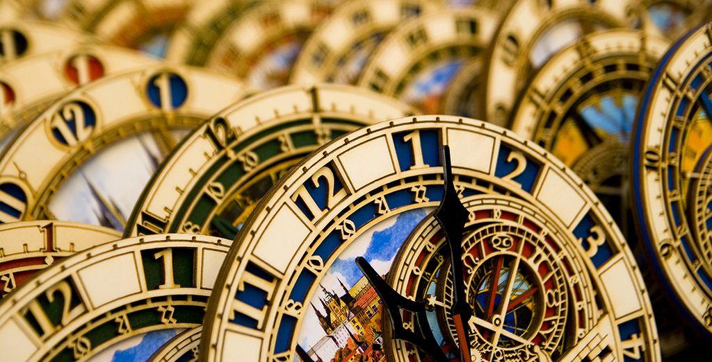 Réplicas del icónico reloj de la ciudad