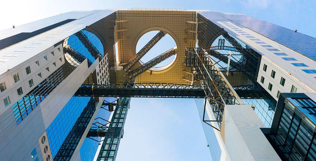 Y el edificio Umeda Sky, una de las obras arquitectónicas más destacables del último siglo