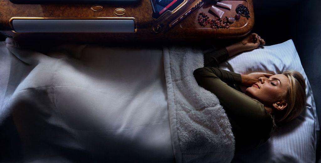 Disfrutar de un buen descanso con los asientos totalmente abatibles que se convierten en una cama de hasta 2m de largo