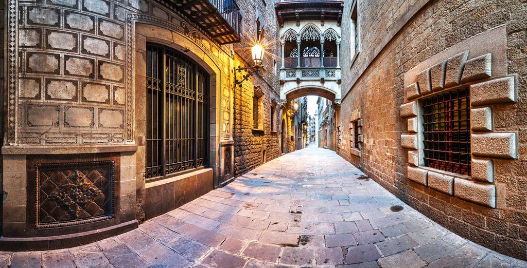 Acércate al Barrio Gótico