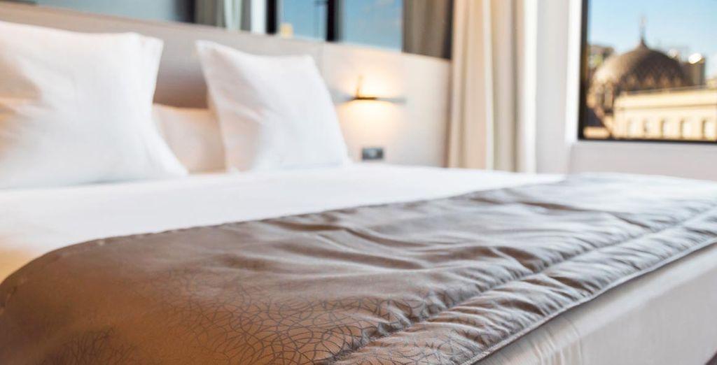 Una habitación cálida y confortable
