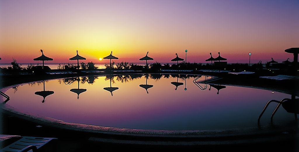 Contemple las maravillosas puestas de sol desde la terraza