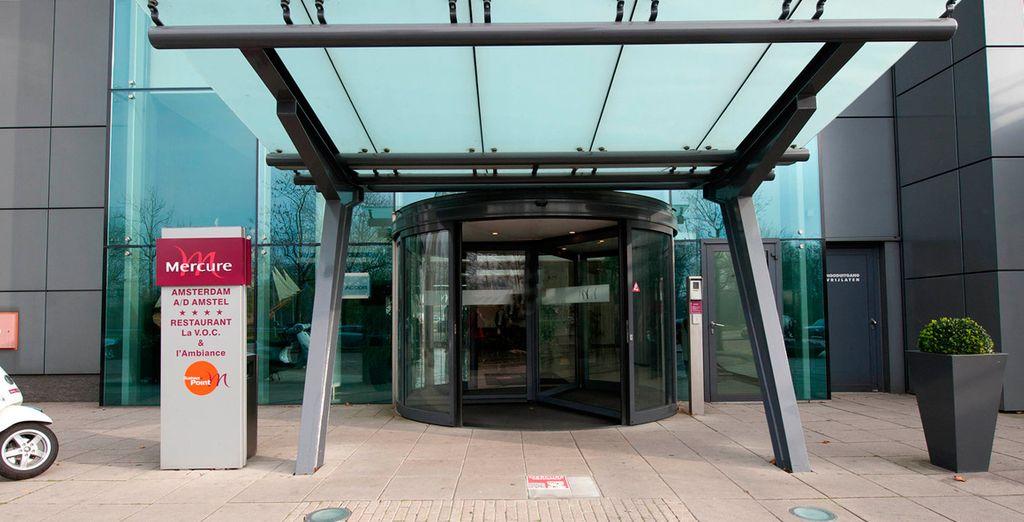 El Mercure Amsterdam City está a 8 minutos a pie de la parada de metro Overamstel