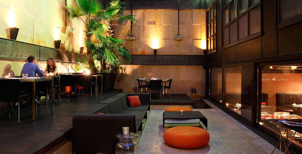 El Terraza Bar 8 es el espacio perfecto para tomar un cóctel y degustar pequeños caprichos gastronómicos