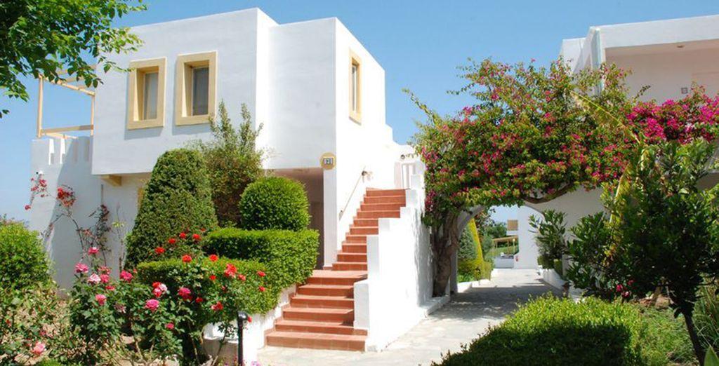 El tradicional blanco de los edificios griegos está siempre presente