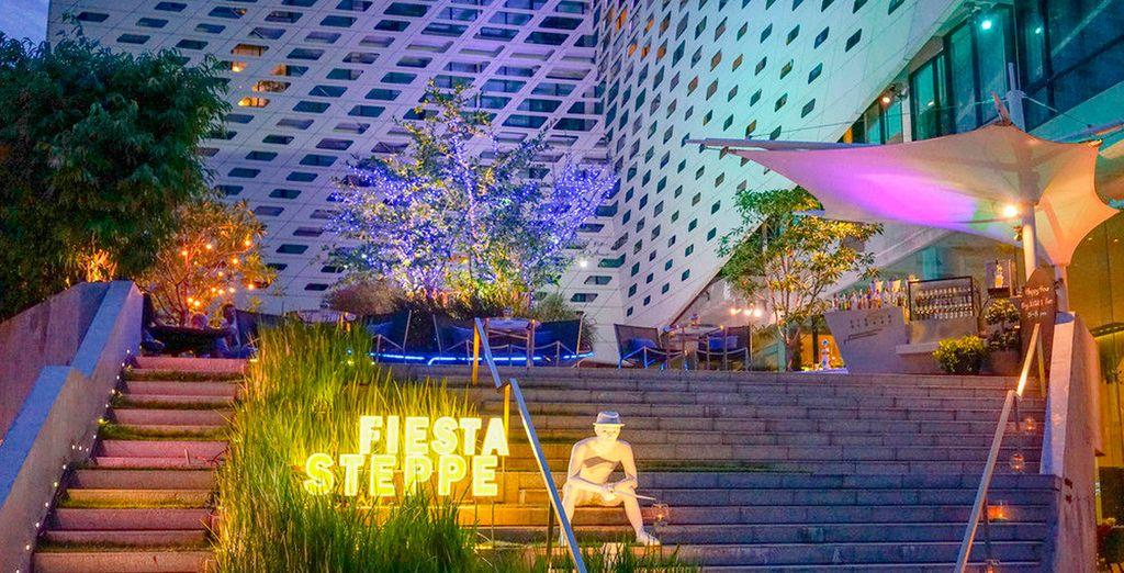 Con un bar y terraza de moda para las noches vibrantes de la capital