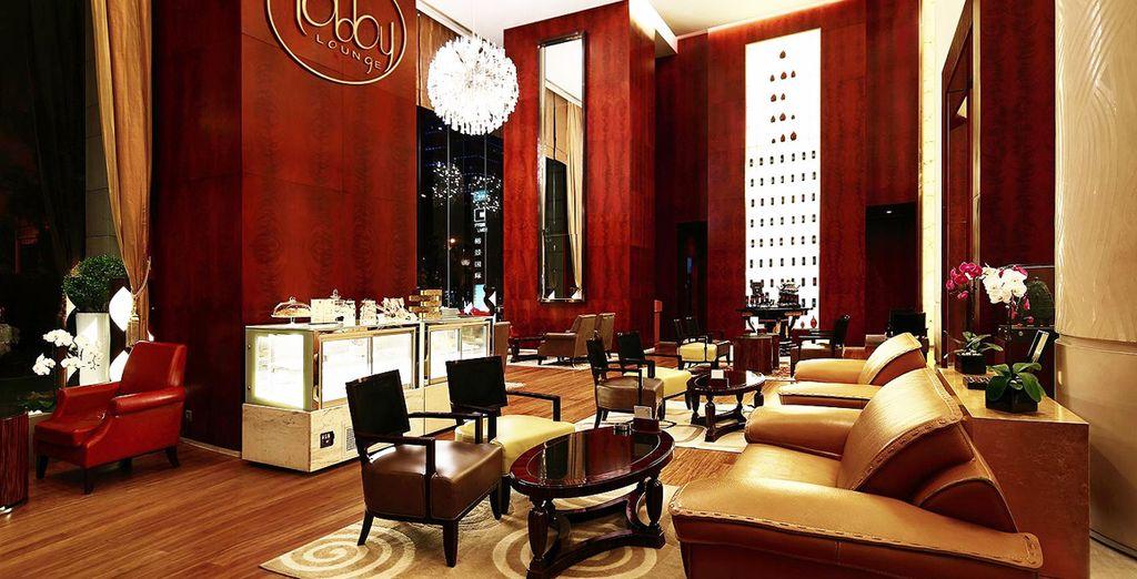 en el Eton Hotel Shanghai 5* o en el Guoman Hotel Shanghai 5*