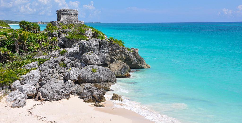Entre sable blanc et vestiges, vous serez sous le charme !