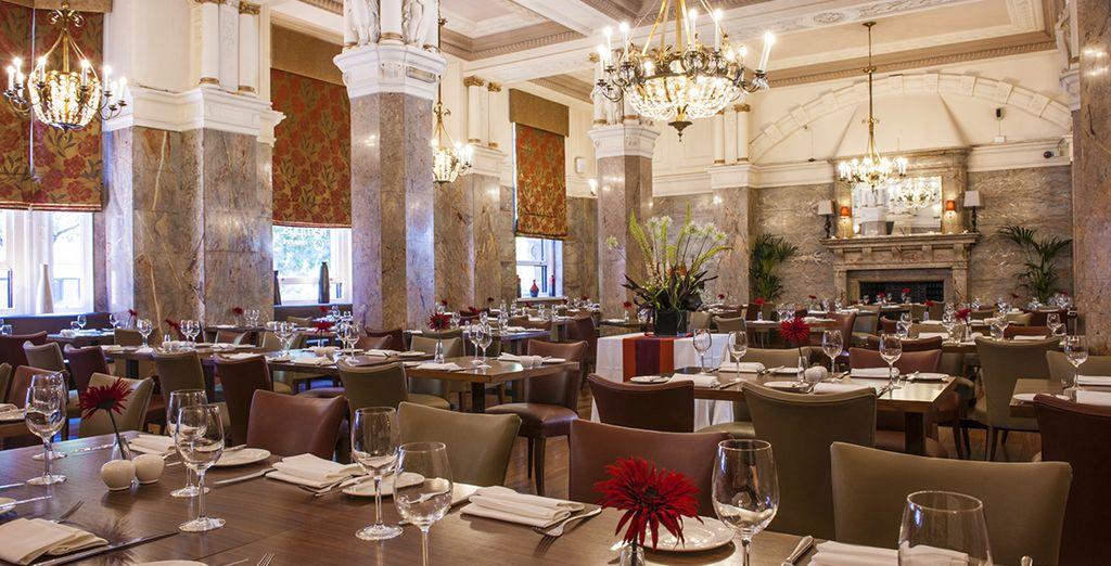 Avant de rejoindre la splendide salle de restaurant de l'hôtel