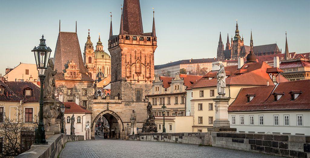 Lors d'un circuit unique de 8 jours et 7 nuits à la découverte de Prague la  romantique - Circuit Grand tour du Patrimoine Prague et la Bohême du Sud 8 jours / 7 nuits Prague