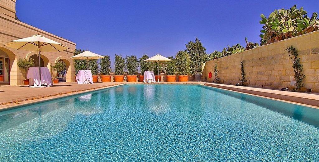 Vous pourrez aussi vous détendre dans la piscine de l'hôtel voisin à 5mn...