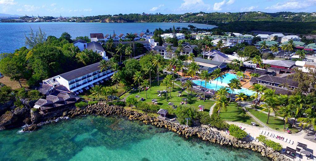 Le Mahogany Hotel Spa et Résidences vous accueille dans un vaste parc tropical