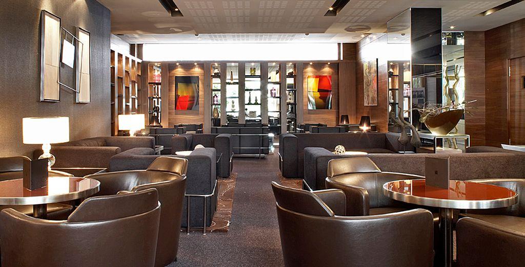 Du soir au matin, le bar AC Lounge sera votre QG