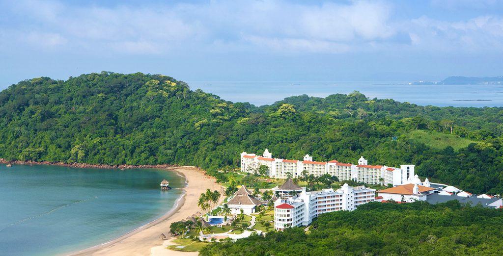 Direction l'hôtel Secrets Playa Bonita