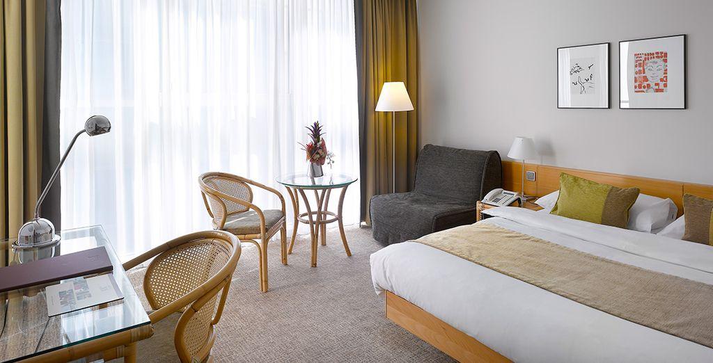 Vous séjournerez en chambre Executive, lumineuse et confortable
