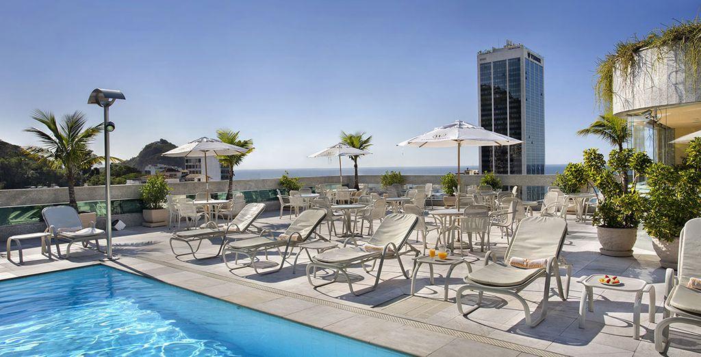 Hôtel haut de gamme avec piscine et espace détente à Rio de Janeiro