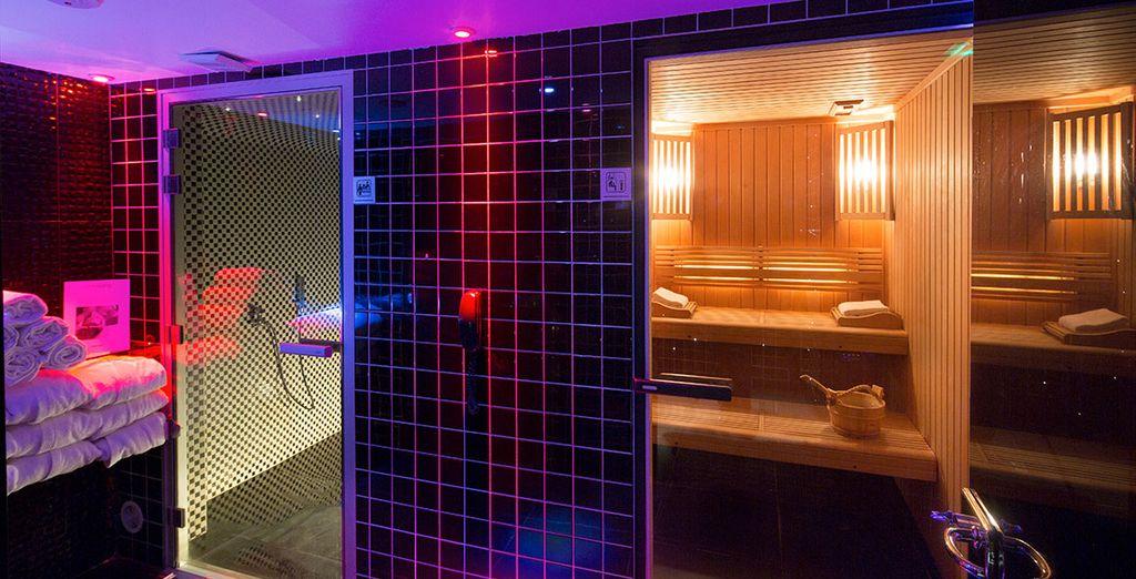 Aux couleurs fluorescentes et l'ambiance tamisée du Spa