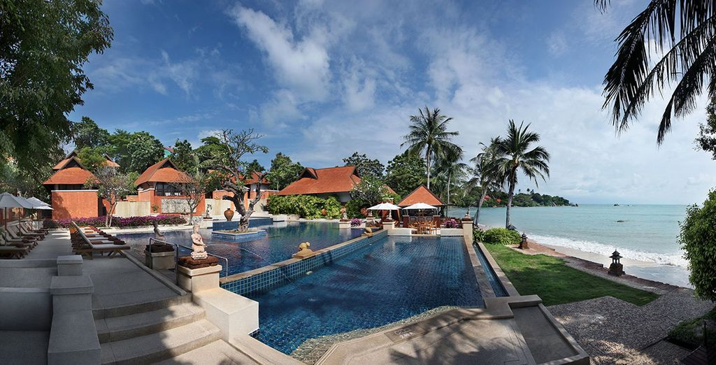 Magnifique établissement en bord de mer avec piscine à débordement