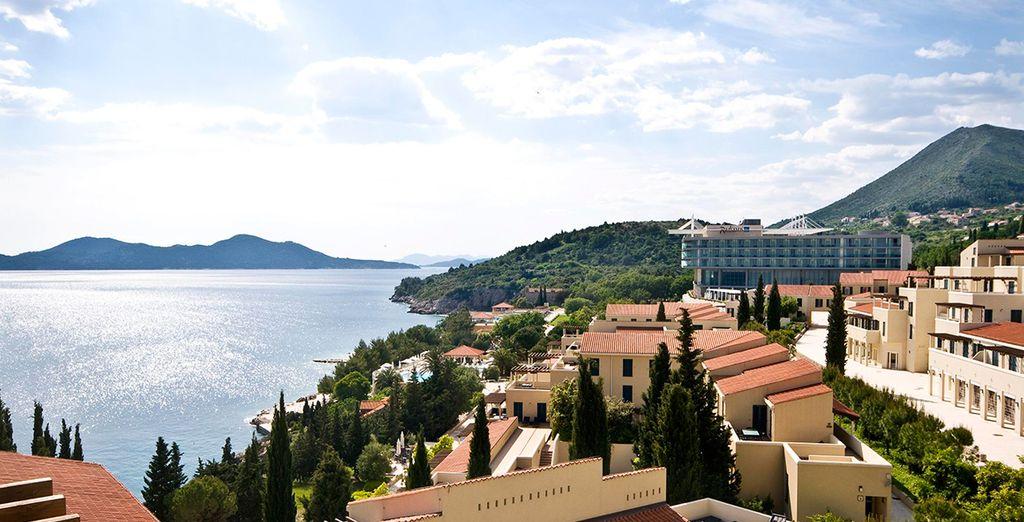 Surplombant la mer Adriatique