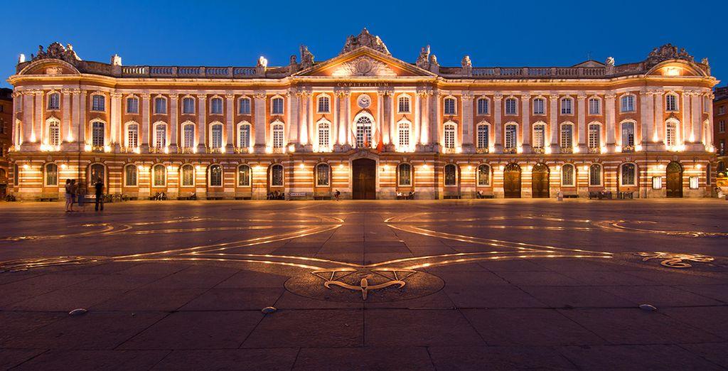 Capitole de Toulouse vu de nuit
