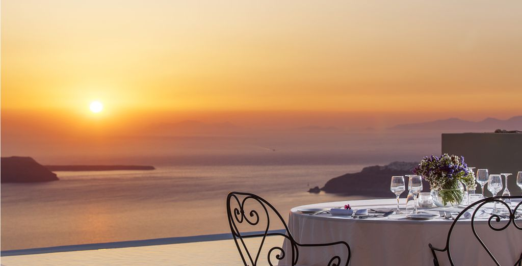 Succombez au charme de Santorin le temps d'un dîner extraordinaire