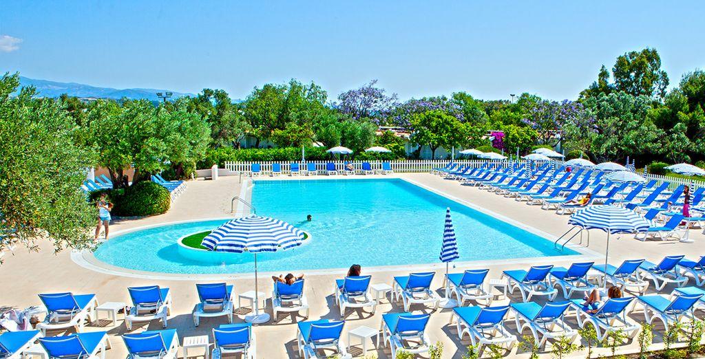 Profitez du soleil généreux, de la piscine