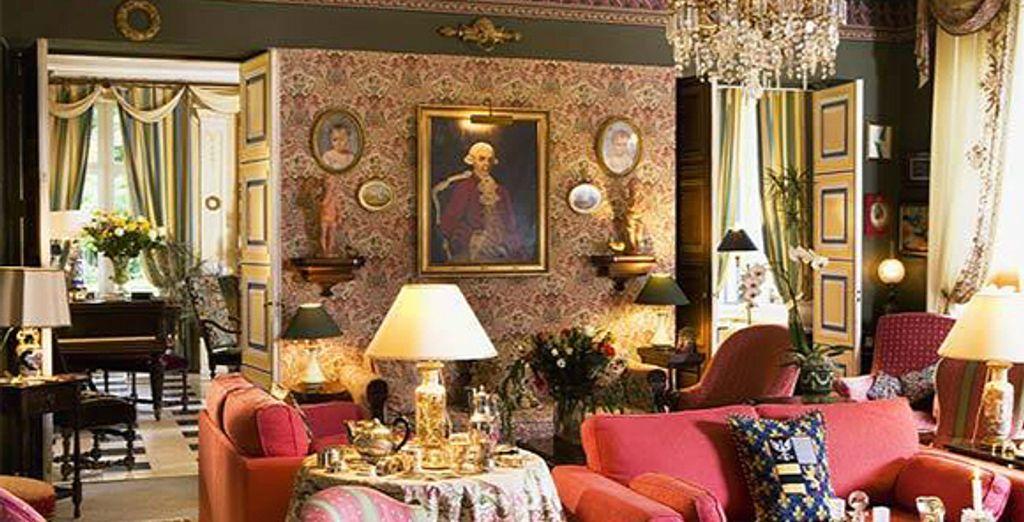 Le salon du château - Hostellerie du Château de Goville *** - Le Breuil-en-Bessin - France Le Breuil-en-Bessin