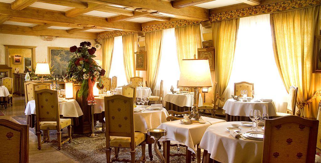 Ne manquez pas de réserver votre table au restaurant