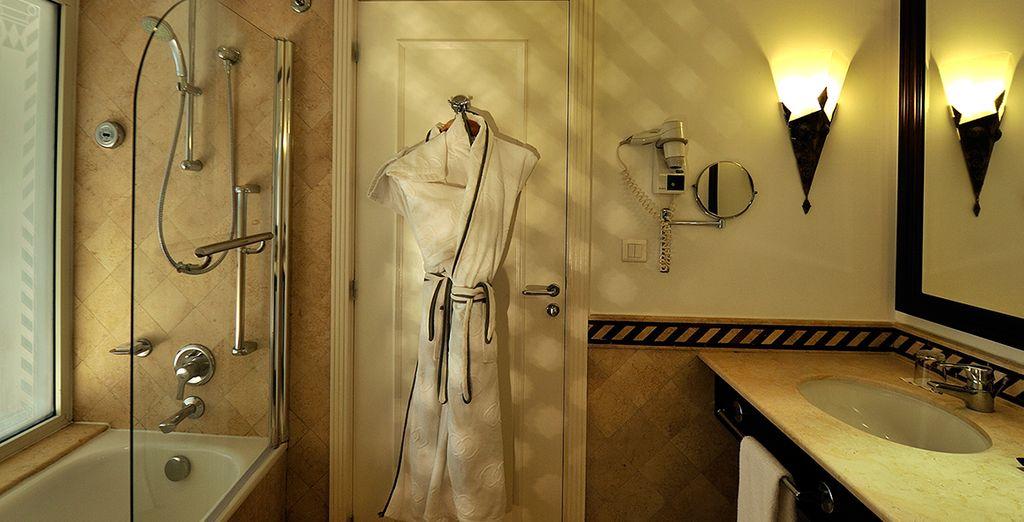 Rafraîchissez-vous dans votre élégante salle de bains