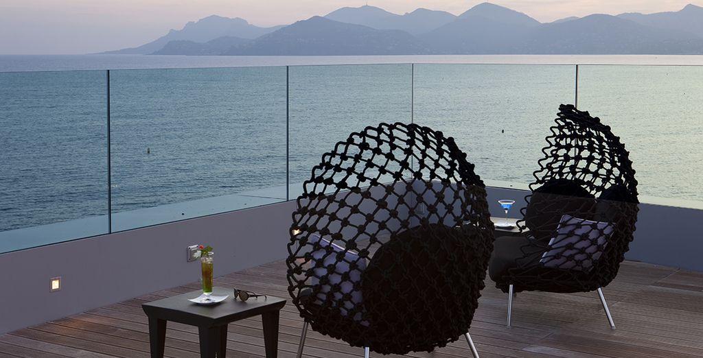 Et installez-vous au Radisson Blu Cannes 4*
