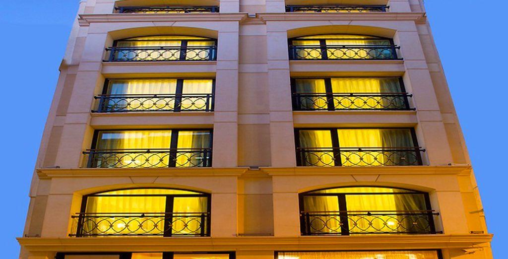 L'hôtel Perula vous ouvre ses portes...