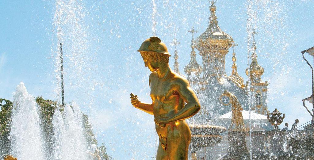 Du côté des capitales de la Baltique, Saint-Pétersbourg vous émerveillera..