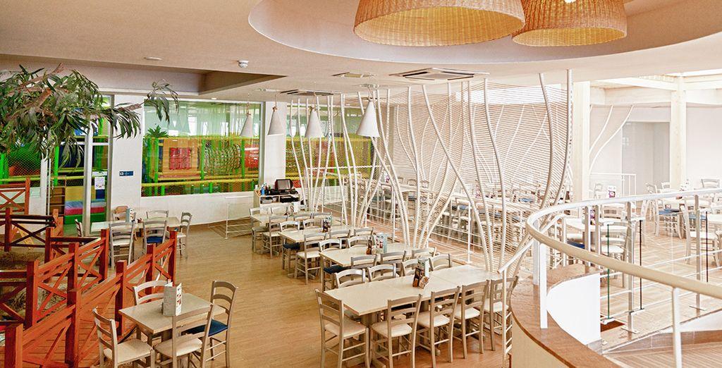 Vous aurez l'occasion de découvrir le restaurant La Vista...