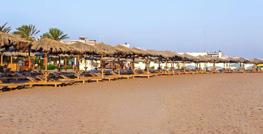 Découvrez la plage privée de sable