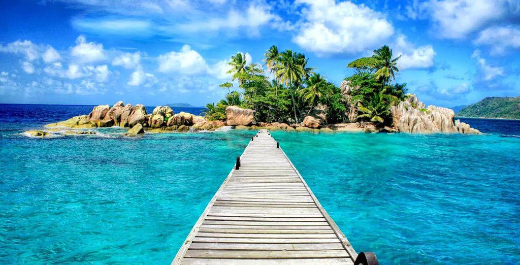 En passant par l'îlot de Saint Pierre qui vous réserve quant-à lui un dîner et une nuit d'exception