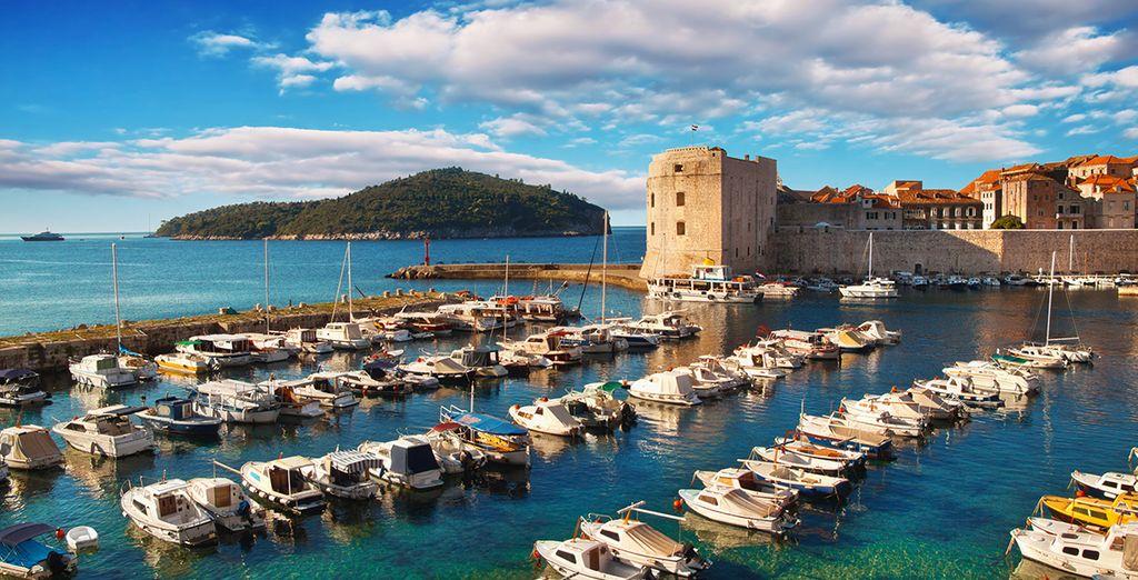 Enfin, mettez le cap sur la charmante ville de Dubrovnik ! Bon voyage