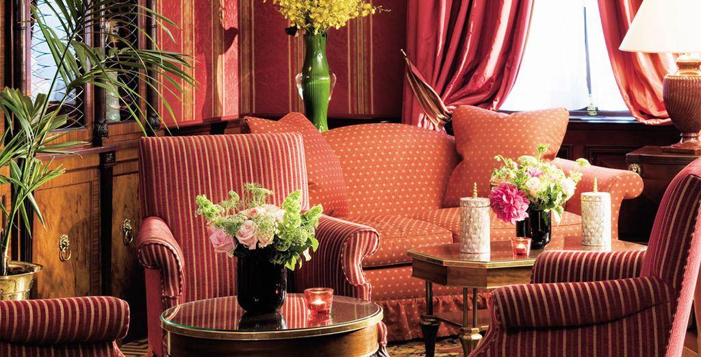 ... à la décoration classique et chaleureuse