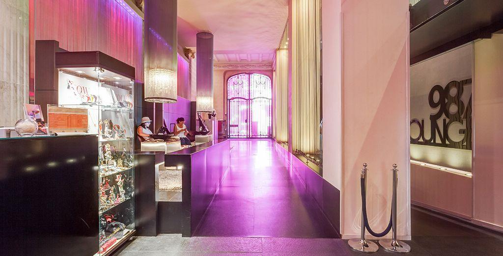 Découvrez l'atmosphère unique de cet hôtel design
