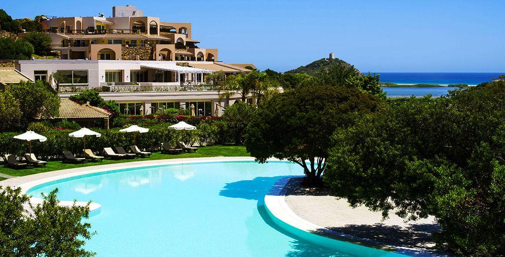 Faites un saut dans la piscine de l'hôtel...