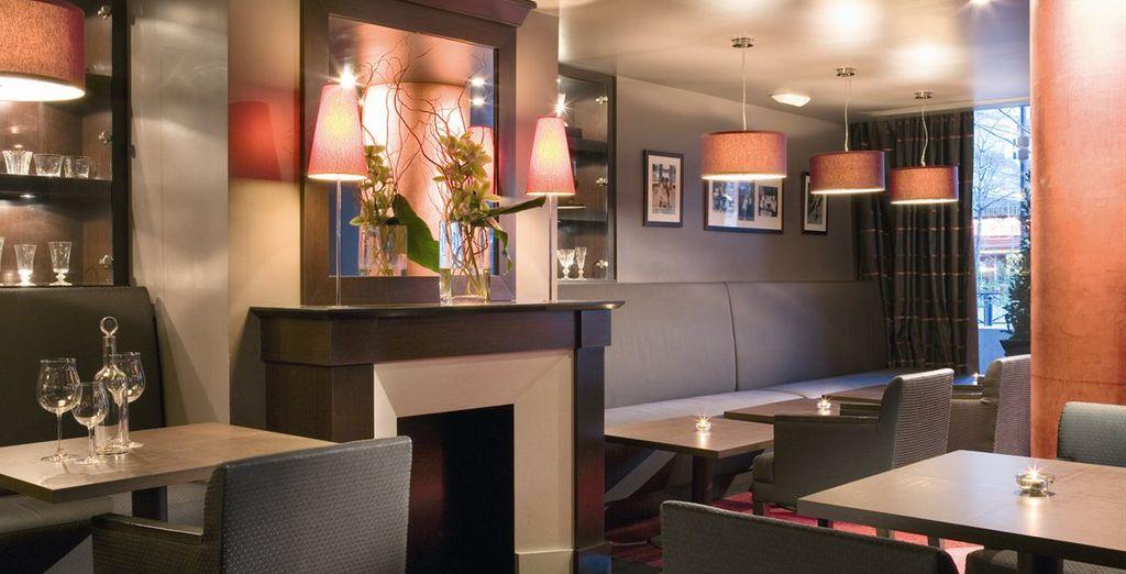 Vous pourrez déjeuner ou boire un verre au restaurant 0'40 & Bar Le Wengé
