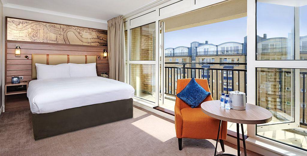 Vous séjournerez en chambre Queen Deluxe with balcony