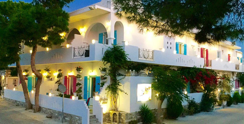 Afrodite boutique hotel paros voyage priv jusqu 39 70 for Boutique hotel paros