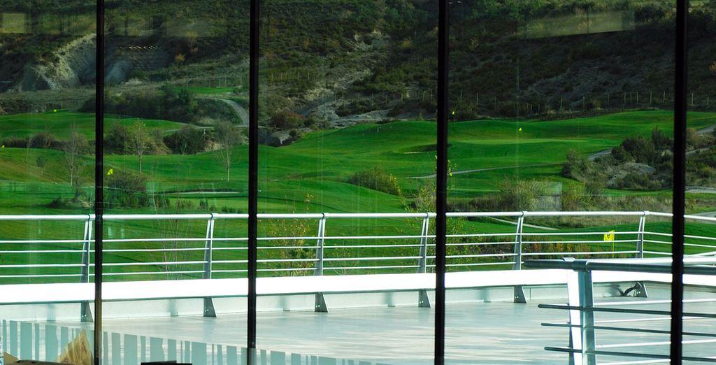 Travaillez votre swing sur le golf 18 trous à votre disposition