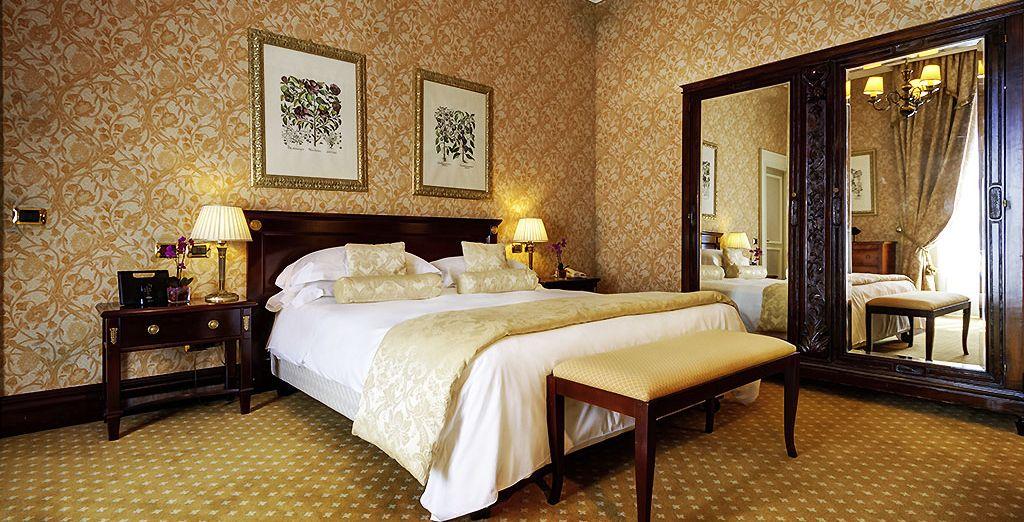 Découvrez la vie de palace au sein de votre chambre Classique