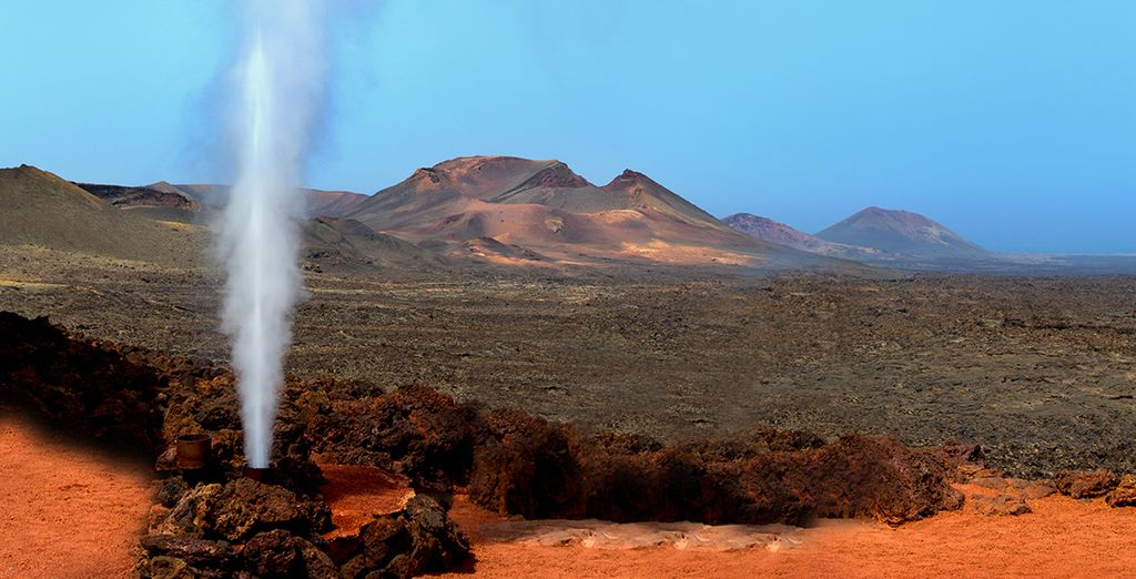 Parcourrez des paysages volcaniques spectaculaires...