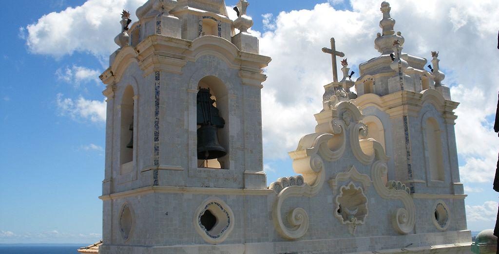 Aux nombreux monuments historiques