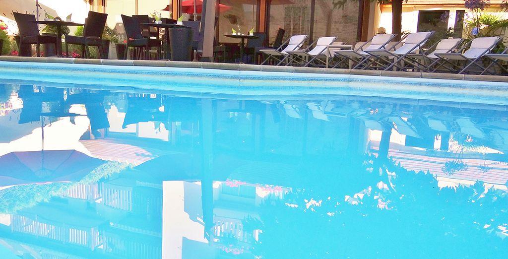 Faites un saut dans la piscine chauffée