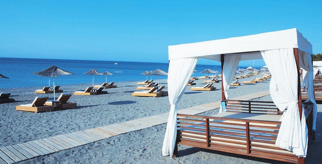 Vous profiterez également chaque jour de la plage privée de l'hôtel