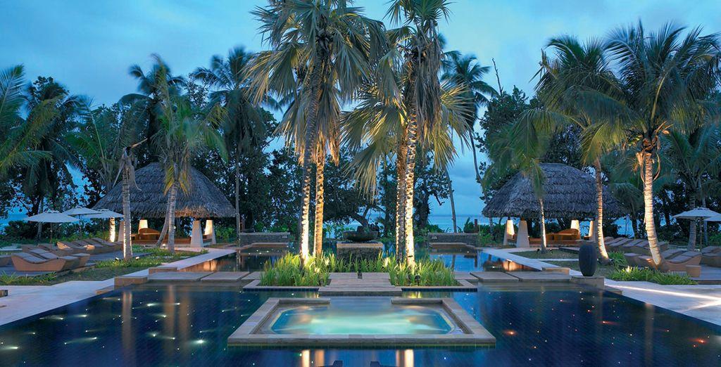 Là-bas vous attend l'hôtel Hilton Labriz Resort & Spa 5*...
